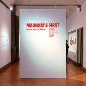 Un momento della visita alla mostra Magnum's First. La prima mostra di Magnum presso il Museo Diocesano Carlo Maria Martini di Milano. © FPmag.