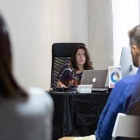 FPschool Open Day 2019, la lezione di Photoshop ha catalizzato l'attenzione dei presenti catturati dall'esposizione di Chiara Panariti che ha aperto in molti nuovi orizzonti. © Gianfranco Ferraro/FPschool.