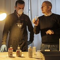 È ora di preparare di chimici. Giuseppe Sinatra spiega come fare. © Salvo Veneziano/Palermofoto.