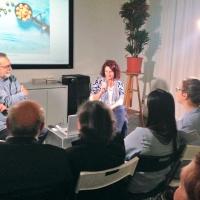Tatiana Mura, a destra, e Sandro Iovine, a sinistra, durante la presentazione del progetto Odi et Amo nell'ambito degli Incontri con l'autore di FPschool.