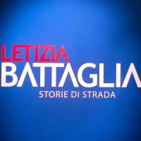 L'ingresso alla mostra Letizia Battaglia. Storie di strada a Palazzo Reale a Milano. © FPmag.