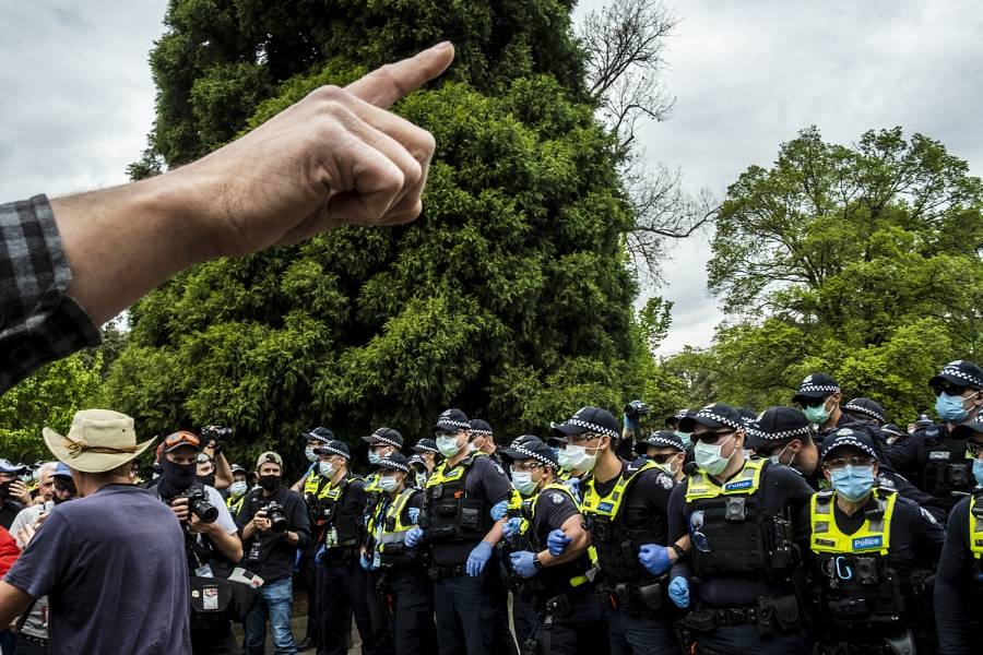 Melbourne 23/10/2020, Police officers stand on guard at the Shrine of Remembrance, during the demonstration Anti-Lockdown.